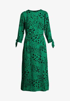 ANIMAL TIE SLEEVE MIDI - Denní šaty - green