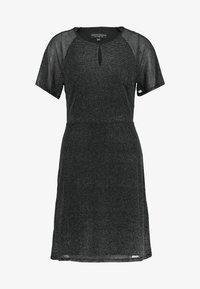 Dorothy Perkins - KEYHOLE FIT AND FLARE - Koktejlové šaty/ šaty na párty - black - 3