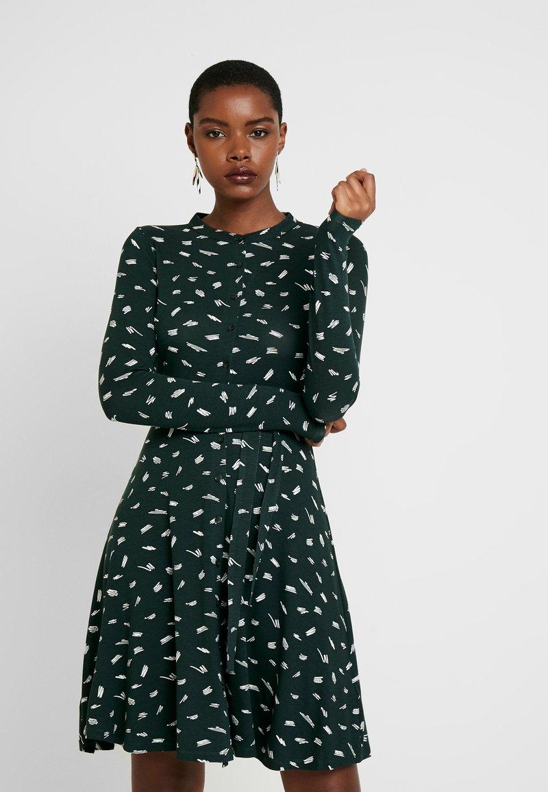 Dorothy Perkins - SMUDGE PRINT DRESS - Trikoomekko - green