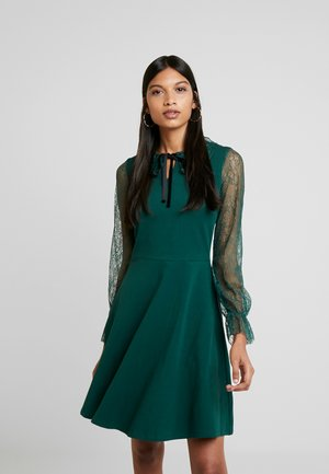 COLLAR  DRESS - Žerzejové šaty - dark green