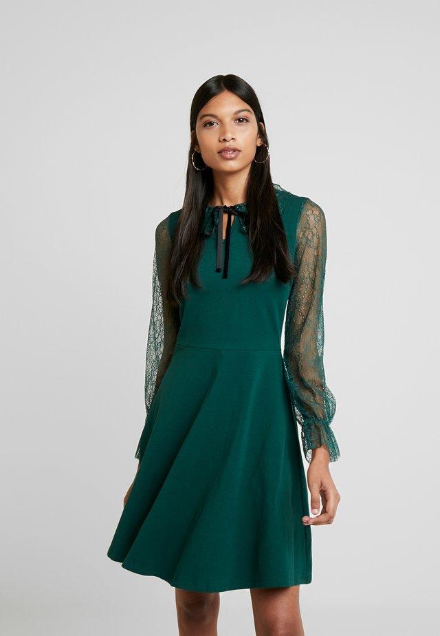 COLLAR  DRESS - Žerzejové šaty - dark green