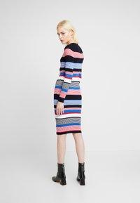 Dorothy Perkins - STRIPE DRESS - Stickad klänning - multi - 3