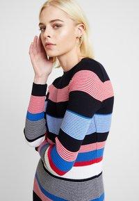 Dorothy Perkins - STRIPE DRESS - Stickad klänning - multi - 4