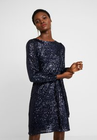 Dorothy Perkins - SEQUIN LONG SLEEVE FIT AND FLARE - Cocktailklänning - navy - 0