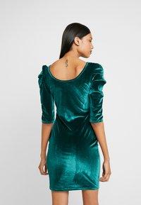 Dorothy Perkins - PUFF SLEEVE BODYCON - Shift dress - green - 2