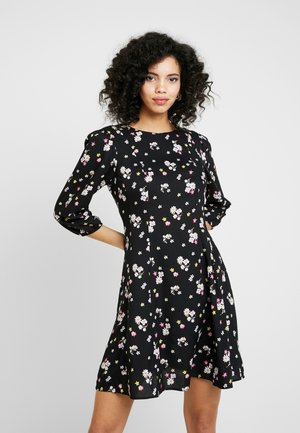 DITSY THREE QUARTER SLEEVE FIT & FLARE - Vapaa-ajan mekko - black