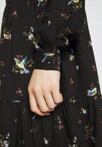 Dorothy Perkins - BIRD PRINT FRILL HEM DRESS - Vapaa-ajan mekko - black - 5