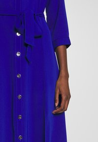 Dorothy Perkins - PLAIN SLEEVE DRESS - Shirt dress - cobalt - 5
