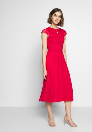 PLEATED ALICE DRESS - Cocktailklänning - red