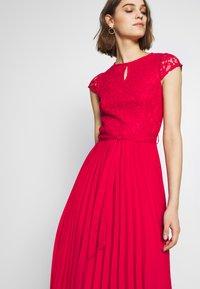 Dorothy Perkins - PLEATED ALICE DRESS - Juhlamekko - red - 3
