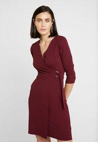 Dorothy Perkins - WRAP DRESS - Sukienka etui - purple - 0