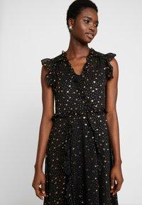 Dorothy Perkins - STAR FOIL ASYM RUFFLE MIDI - Denní šaty - black - 3