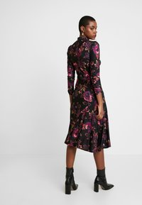 Dorothy Perkins - HIGH NECK MIDI DRESS - Sukienka z dżerseju - purple - 3