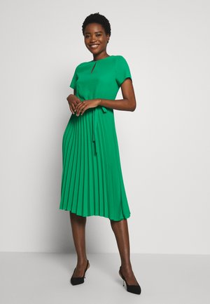 KEYHOLE PLEATED MIDI DRESS - Day dress - green