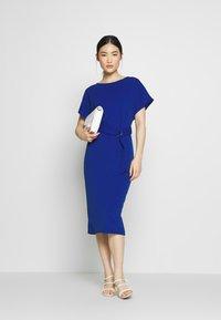Dorothy Perkins - D RING MIDI DRESS - Jerseyklänning - cobalt - 1
