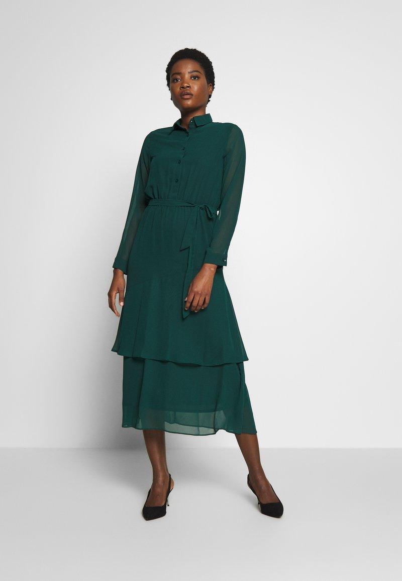 Dorothy Perkins - TIERED SHIRT DRESS - Kjole - green