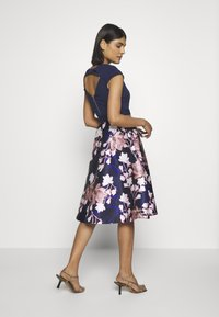 Dorothy Perkins - LUXE SOLID BODICE BELTED MIDI DRESS - Cocktailkjole - blue - 2