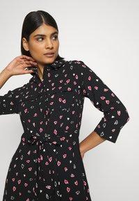 Dorothy Perkins - HEART CHANNEL WAIST SHIRT DRESS - Shirt dress - black - 3