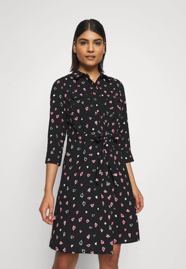 HEART CHANNEL WAIST SHIRT DRESS - Košilové šaty - black