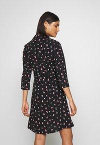 Dorothy Perkins - HEART CHANNEL WAIST SHIRT DRESS - Shirt dress - black - 2