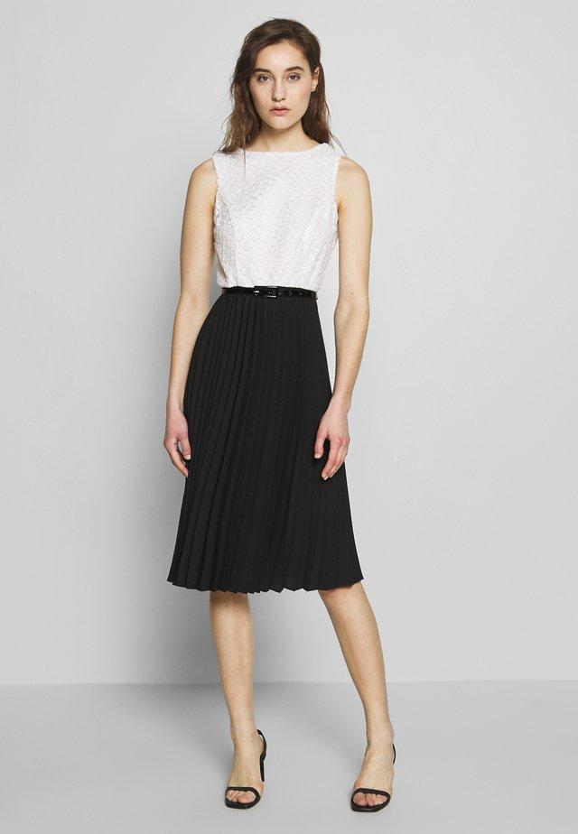 LUXE MONO EMBROIDEREDBODICE PLEAT MIDI DRESS - Korte jurk - black