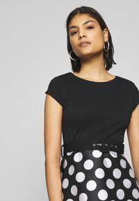 Dorothy Perkins - LUXE MONO SPOT SOLID BODICE BELTED - Shift dress - black - 4