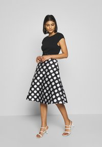 Dorothy Perkins - LUXE MONO SPOT SOLID BODICE BELTED - Shift dress - black - 1