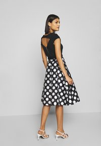 Dorothy Perkins - LUXE MONO SPOT SOLID BODICE BELTED - Shift dress - black - 2