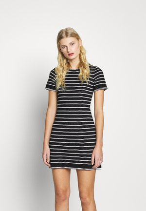 STRIPE DRESS - Pletené šaty - black
