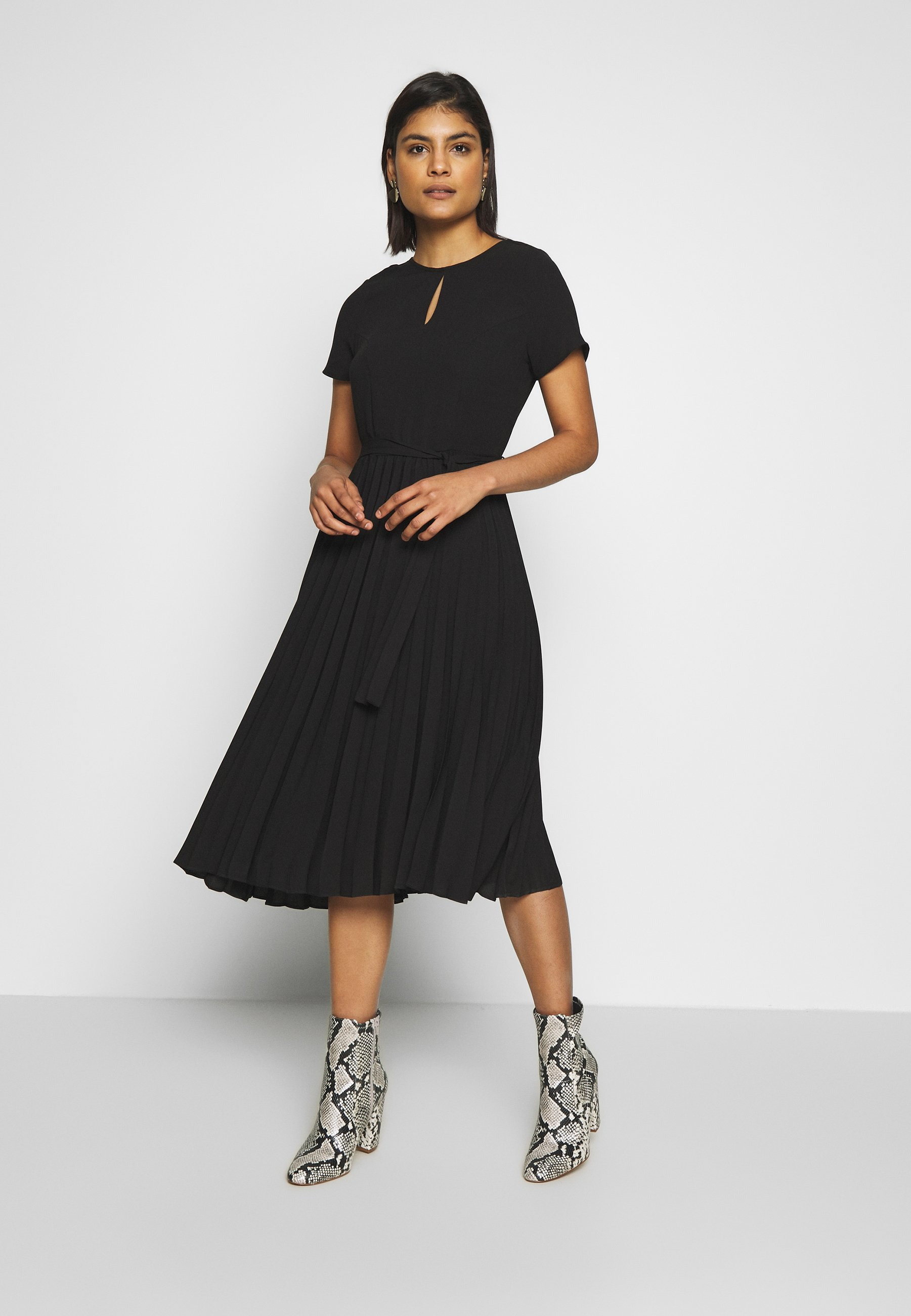 Dorothy Perkins Keyhole Pleated Midi Dress - Robe D'été Black d7WFviX