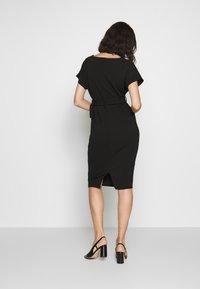 Dorothy Perkins - D RING MIDI DRESS - Sukienka z dżerseju - black - 2