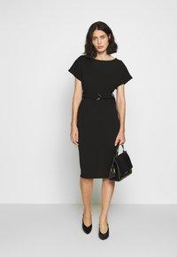 Dorothy Perkins - D RING MIDI DRESS - Sukienka z dżerseju - black - 1