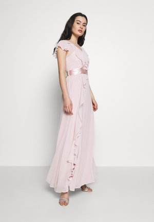 RILEY RUFFLE DETAIL SOFT SLEEVE MAXI DRESS - Galajurk - blush