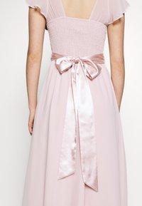 Dorothy Perkins - RILEY RUFFLE DETAIL SOFT SLEEVE MAXI DRESS - Galajurk - blush - 5