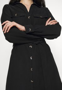 Dorothy Perkins - UTILITY SHIRT DRESS - Freizeitkleid - black - 4
