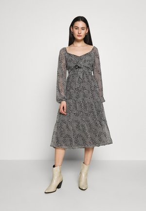 LONG SLEEVE TIE FRONT TIERED DRESS - Robe d'été - black