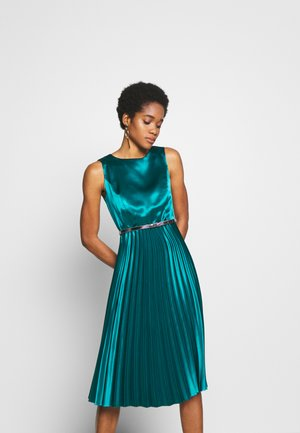 LUXE BELTED PLEAT MIDI DRESS - Vestito elegante - green