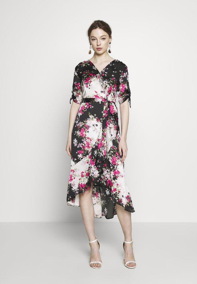 BILLIE LABEL MIX & MATCH FLORAL RUFFLE WRAP FRONT MIDI DRESS - Korte jurk - black