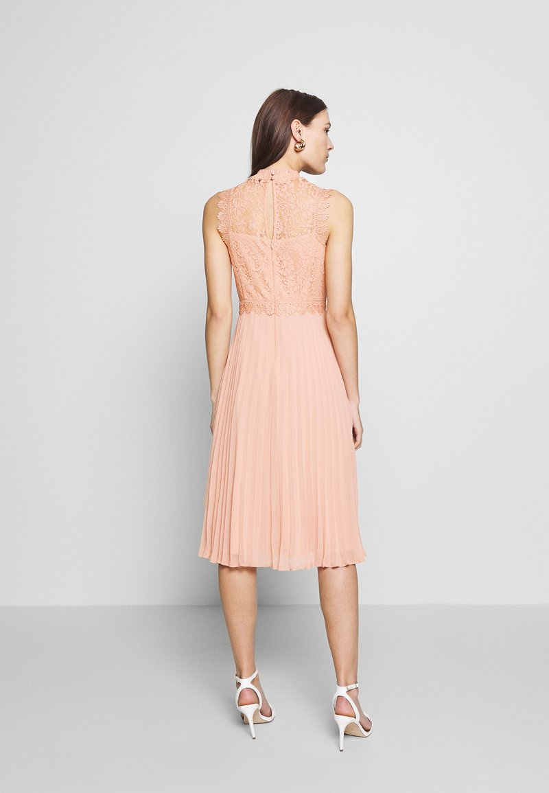 Dorothy Perkins PLEATED MIDI DRESS - Cocktailkjole - ecru