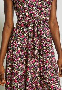 Dorothy Perkins - BILLIE AND BLOSSOM TRIMP DITSY MIDI DRESS - Day dress - pink - 4