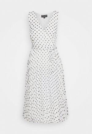 SPOT WRAP PLEATED MIDI DRESS - Denní šaty - ivory