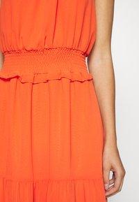 Dorothy Perkins - SHIRRED WAIST HALTER DRESS - Maxi-jurk - copper - 5