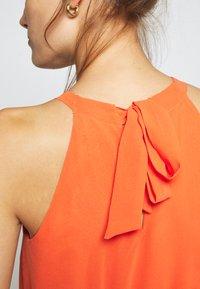 Dorothy Perkins - SHIRRED WAIST HALTER DRESS - Maxi-jurk - copper - 3
