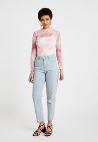 Dorothy Perkins - TIE DYE SCOOP - Maglietta a manica lunga - pink - 1