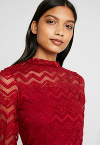 Dorothy Perkins - ZIG ZAG LONG SLEEVE - Blouse - red - 4