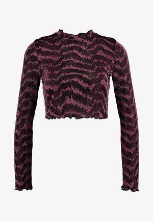 LOLA SKYE HIGH NECK CUT OUT BACK - Bluzka z długim rękawem - pink