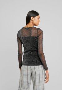 Dorothy Perkins - GLITTLER LONG SLEEVE - T-shirt à manches longues - black - 2