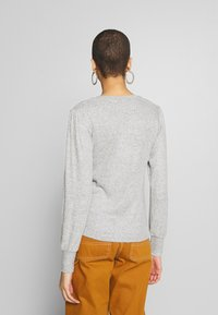 Dorothy Perkins - BRUSHED RIB PUFF SLEEVE CUFF TOP - Sweter - grey marl - 2