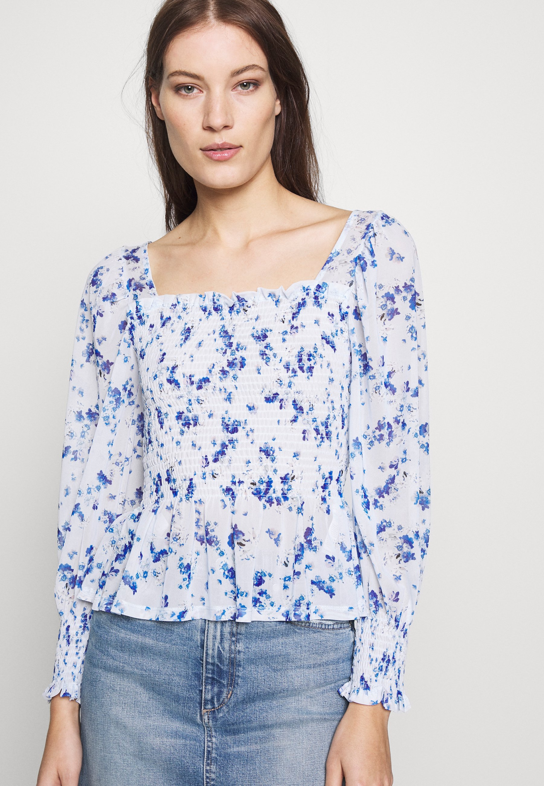 Dorothy Perkins SHIRRED POWER MESH BLUE FLORAL SQUARE NECK - T-shirt z nadrukiem - blue