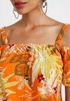Dorothy Perkins - COLD SHOULDER - T-Shirt print - orange